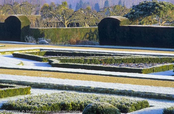 Italian garden in frost