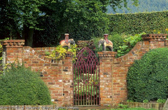 Gate Brick Piers With Elephant Castle Ornaments Golden Hop