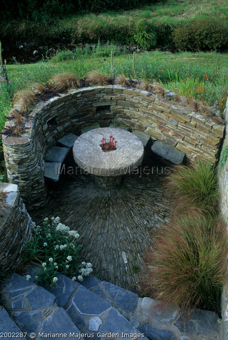 Sunken stone seating enclosure