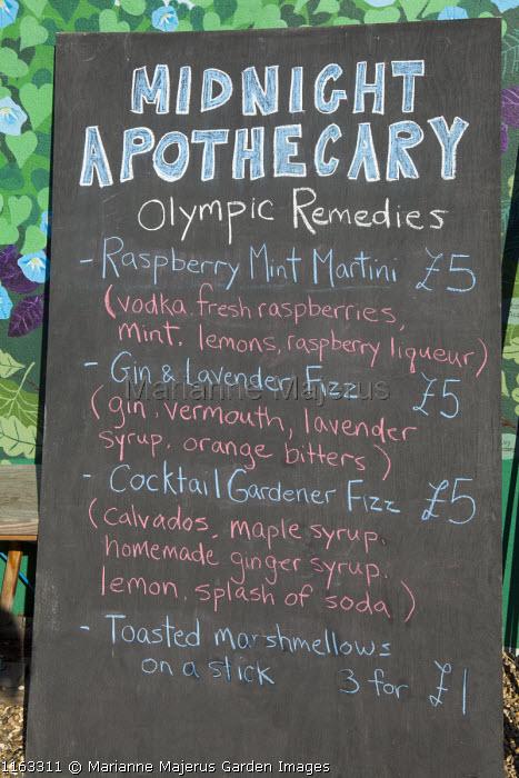 Cocktail bar menu chalk board