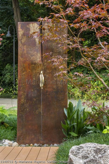 Water wall fountain, Ophiopogon japonicus 'Gyoku-ryu', Acer palmatum