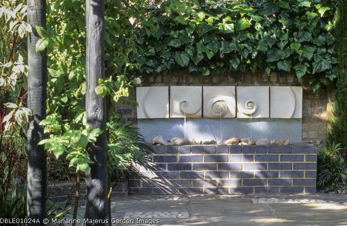Palisade screen, Cornus alba 'Elegantissima', fountain by Sally Price