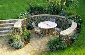 Curved dry-stone wall, enclosed seating area