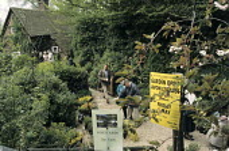 'Garden Open' sign