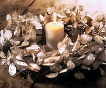 Honesty seedheads wreath, candle
