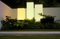 Light columns, border