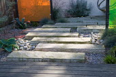 Stone slab path, gravel, coloured screens