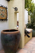 Built-in bench, fountain