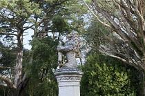 Merlion on plinth