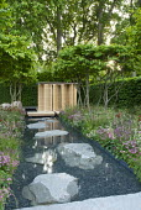 Bamboo pavilion, Iris 'Dutch Chocolate', Anthriscus sylvestris 'Ravenswing', Digitalis x mertonensis, Astrantia 'Roma'
