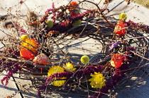 Christmas wreath, twigs, Helichrysum monstrosum, seedheads