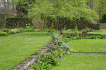 Sunken garden, lawn
